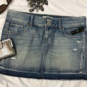 Old Navy Mini Skirt destroyed denim pulled hem  A3
